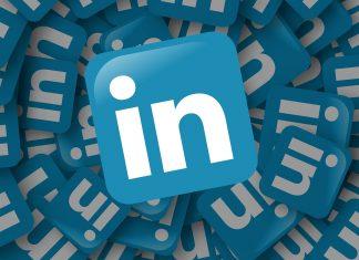 LinkedIn spada w dół