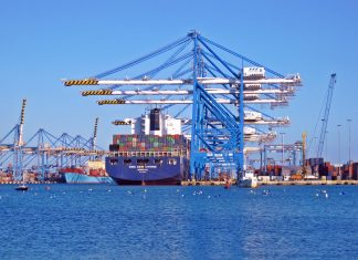 Dane dotyczące importu a gra na giełdzie